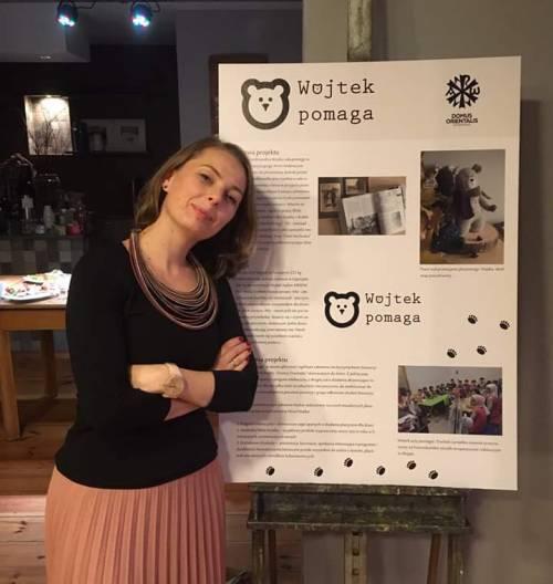 """25.10.19 Magda Sontag - autorka """"Wojtek Pomaga!"""" - prezentuje projekt w Kurorcie Qultury w Zabrzu w ramach Global FemArt / M. Sontag - manager of """"Wojtek Helps!"""" - prezenting projects at the Global FemArt meeting in Zabrze"""
