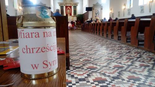 Podczas modlitw zbieramy pieniędze na pomoc Braciom / During the prayers we are collecting money for our Brothers in need in Middle East