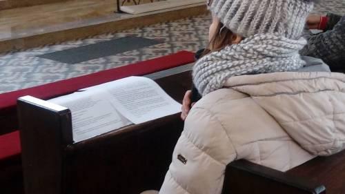 Każdej modlitwie towarzyszy czytanie intencji przysłanych od Braci i Sióstr z Bliskiego Wschodu i Afryki / During the prayers we are reading intensions sent by Brothers and Sisters from Middle East and Africa