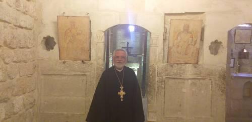 Po ikonach w kościele pozostały tylko wydruki... / In the church we could only find printed copies of the icons
