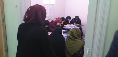 N&F zapewniają kobietom m.in. naukę na bardzo podstawowym poziomie tj. czytanie i pisanie / N&F provides basic education for women, like writing and reading