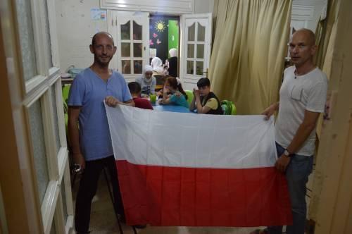 Polska pomaga! / Poland helps!