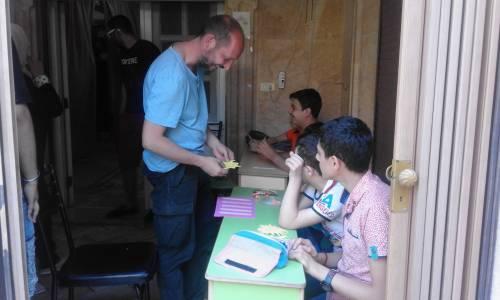 Oprócz pomocy materialnej Dom Wschodni zorganizował latem 2018 roku warsztaty origami dla wszystkich dzieciaków / Domus Orientalis provides not only help with the money - in 2018 we organised origami workshops in the Centre