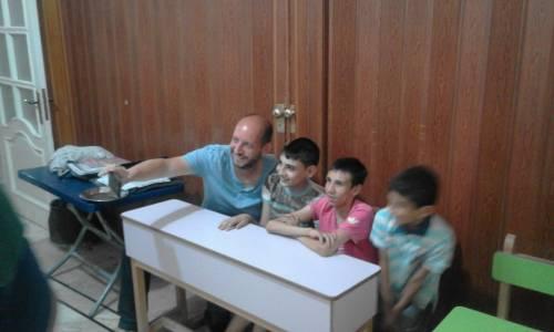 w Centrum Binan bardzo łatwo można nawiązać przyjaźń :) / It's very easy to make friends in this amazing place