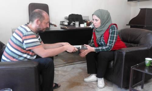 Dr Binan jest jednym z najlepiej wykształconych psychologów w Syrii, podczas wojny oprócz pomocy dzieciom zajmowała się także terapią w więzieniach / Dr Binan is one of the most educated psychologists in Syria. During the time of war she was not only helpin to children but also conducting therapies in the jails