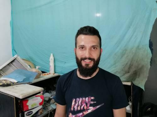 George jest Ormianinem z Aleppo, jak wielu innych młodych mężczyzn potrzebował wsparcia / George like  many young men from Aleppo needed support