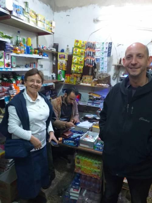 Krok po kroku rozwija swój sklepik i kawiarenkę / Step by step he is developing his shop and coffe place