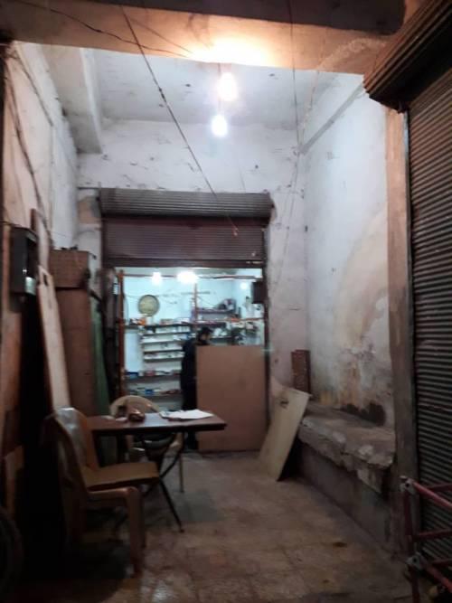 Jego sklepik był pusty, a ekspres do kawy się zepsuł / His shop was empty and the coffee maschine broke